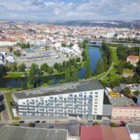 Nabízíme k pronájmu novostavbu bytu 2+kk s terasou a  garážovým stáním v Plzni na Slovanech