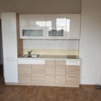 Pronájem zrekonstruovaného bytu 1+kk v Plzni na Lochotíně